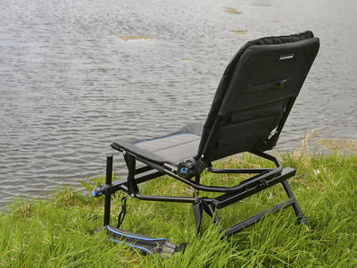 Cresta Blackthorne Compact Chair.